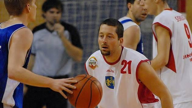 Tomáš Budínský (s číslem 21).