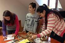 Žáci ze 4. základní školy v Jindřichově Hradci uspěli v soutěži Young People in European Forests, která má zvýšit povědomí mládeže o lesích.