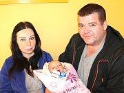 Matyáš Skuhrovec se narodil 9. května Evě Skuhrovcové a Marianu Vichrovi z Deštné. Měřil 49 centimetrů a vážil 3340 gramů.