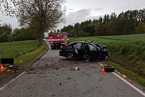 Po nárazu do stromu zemřel v sobotu 22. května ráno nedaleko Lipové u Volfířova na Jindřichohradecku mladý řidič.