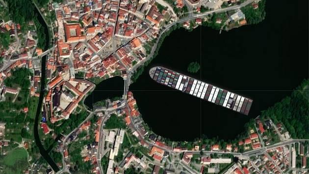 Jaké místo by obří kontejnerová loď Ever Given zabrala na rybníku Vajgar v Jindřichově Hradci?