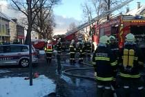 Českoveleničtí hasiči v rámci přeshraniční spolupráce zasahovali spolu s rakouskými kolegy u požáru domu v Gmündu.