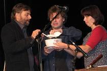 V Třeboni křtil Cimbal classik CD Malý kousek nad zemí rybí polévkou.