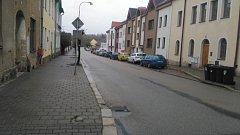 Ulice 9. května v J. Hradci.
