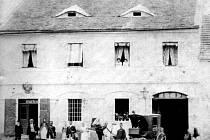 První pošta v Deštné z roku 1870.