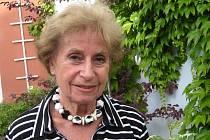 V TŘEBONI. Zdence Fantlové ani anglická královna při loňském setkání nevěřila, že je jí už osmdesát pět let.