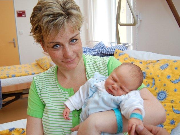 Šimon Kolář z J. Hradce, 27. března 2009, 4250 gramů, 43 centimetrů