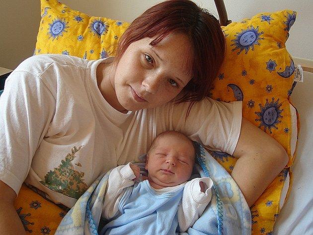 PATRIK HOUSER Z BEDNÁRCE vstoupil do života 7. srpna 2007 ve 23 hodin a 32 minut s váhou 3600 g a délkou 50 cm.