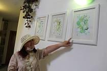 Výstavu Amálie Buřilová věnovala ženství. Obrazy si prohlédnete v jindřichohradeckém hotelu Concertino - Zlatá Husa.