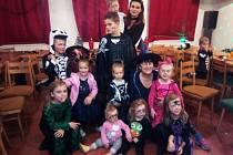 V Žíteči si děti užily Halloween.