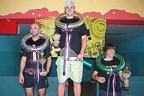 Petr Hušek (uprostřed) z RC Oliver J. Hradec se stal mistrem republiky v ricochetu. Druhý skončil táborský Alan Mačor (vlevo), třetí Petr Novák z Palmovky Praha.