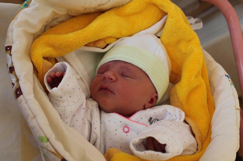 Barbora Machová, Horní Radouň.Narodila se 2. září mamince Ladě Ševčíkové a tatínkovi Miroslavu Machovi. Vážila 2980 gramů.