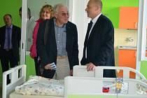 V jindřichohradecké nemocnici otevřeli nový pavilon, kde bude sídlit dětské oddělení.