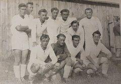 Druhé místo obsadil tým hradeckého Sokola v Memoriálu br. prof. Fr. Špírka. Boj o křišťálový pohár v kopané se v Hradci konal 10. července 1949.