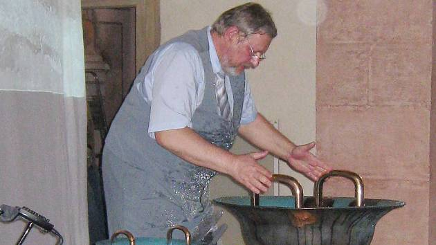 Koncert na vodní zvon v jindřichohradecké kapli svaté Maří Magdaleny.
