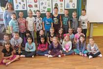 Žáci z prvního ročníku ze základní školy v Lomnici nad Lužnicí.