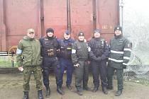 MAD MAX, NEBOLI ŠÍLENÝ MAX, to byl název místa na maďarsko-srbské hranici, kde Maďaři zablokovali vagonem železniční trať, kterou využívali nelegální migranti k průniku do Schengenu. Ve společné hlídce byl i jindřichohradecký policista Tomáš Roupec.