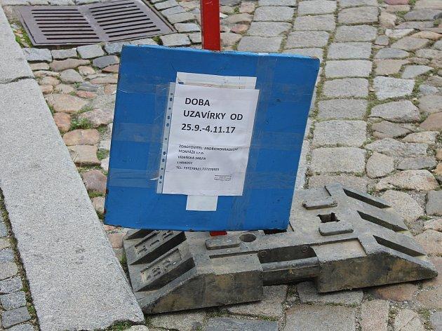 Opravy v částí náměstí Míru potrvají od 25. září do 4. listopadu.