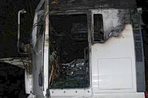 Požár nákladního auta za přejezdem u Lužnice.