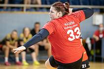 Gabriela Zahradníková na palubovce Ivančic zaznamenala 11 gólů, z toho 9 ze sedmiček, hradecký tým však na palubovce vedoucího celku I. ligy prohrál 23:31.