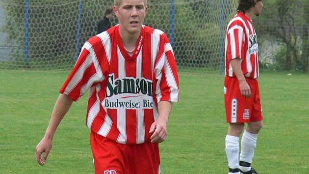 Mladý záložník Kunžaku David Rozporka zaznamenal v duelu  se Slavonicemi dva góly, ale poslednímu celku I. B třídy to vyneslo pouze jeden bod za remízu 3:3.