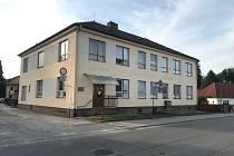 Kraj pomůže Chlumu u Třeboně koupit zdravotní středisko.