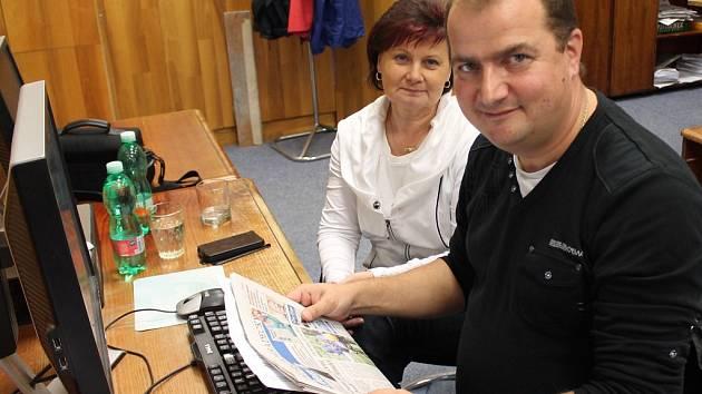 Kandidát za KSČM na senátora za obvod Pelhřimov a část Jindřichova Hradce odpovídá on-line v redakci Jindřichohradeckého deníku na dotazy čtenářů..