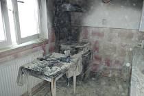 Ve čtvrtek zachvátil požár byt v Chlumu u Třeboně, jeho majitel byl zraněn.