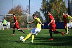 Jindřichohradeckým fotbalistům se v divizi momentálně velice daří. Nováček soutěže zvítězil počtvrté za sebou, když si poradil s Dobříší 3:1.