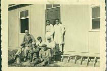 Foto vězňů a personálu (1941).