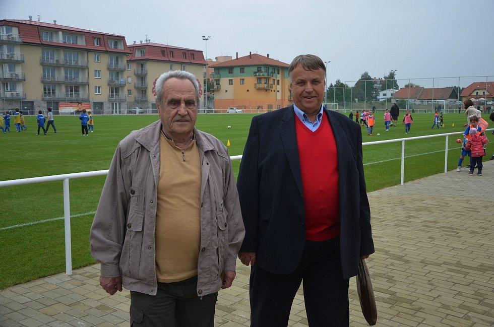 Když v září roku 2014 v Třeboni otevírali zbrusu nový areál Hliník, byla to pro fotbalisty Jiskry velká sláva. Jeden z nejdéle fungujících oddílů nejen na jihu Čech tak odstartoval další kapitolu své bohaté historie.