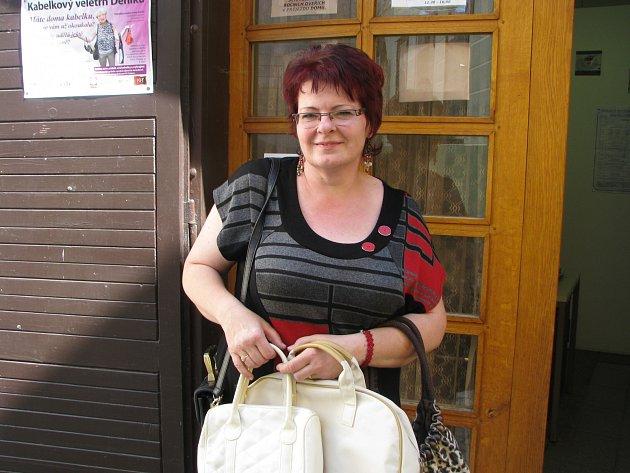 Jana Mlejnková z Lásenice byla jednou z prvních, kdo kabelky do redakce Jindřichohradeckého deníku donesli.