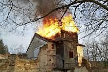V neděli odpoledne vypukl požár v bývalém lihovaru ve Stráži nad Nežárkou.