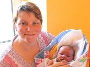 Tomáš Bureš se narodil 5. března Drahoslavě a Vítu Burešovým z Nové Bystřice. Měřil 54 centimetrů a vážil 4410 gramů.