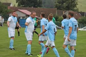 Fotbalisté Popelína porazili v 5. kole okresního přeboru společný tým Peče a českého Rudolce vysoko 6:2.