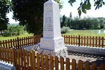 Opravený pomník padlým v I. světové válce ve Světlé.