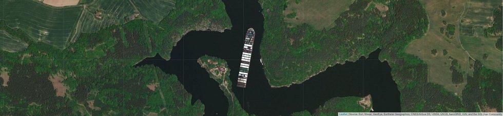 Jaké místo by obří kontejnerová loď Ever Given zabrala u Zvíkovského podhradí?