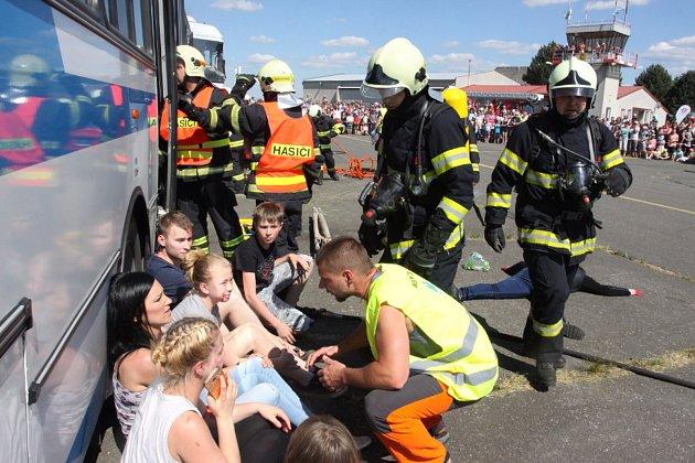 Na letišti u Jindřichova Hradce představily svou práci složky Integrovaného záchranného systému.
