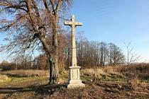 Opravený křížek poblíž sv. Jakuba a Polívek.