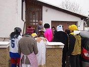 Do masopustního průvodu v Příbrazi se zapojilo na pětadvacet masek.