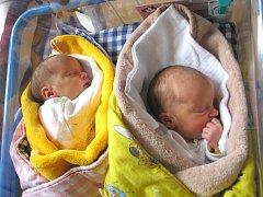 Tereza a Petra Vaňáskovy se narodily 27. října Ivě Novotné a Petru Vaňáskovi z Jindřichova Hradce. Terezka vážila 2450 gramů, Petra 2530 gramů.