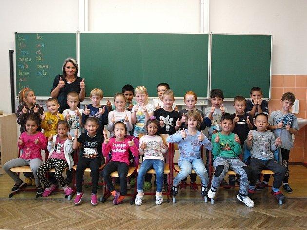 1. Aze základní školy vČeských Velenicích.