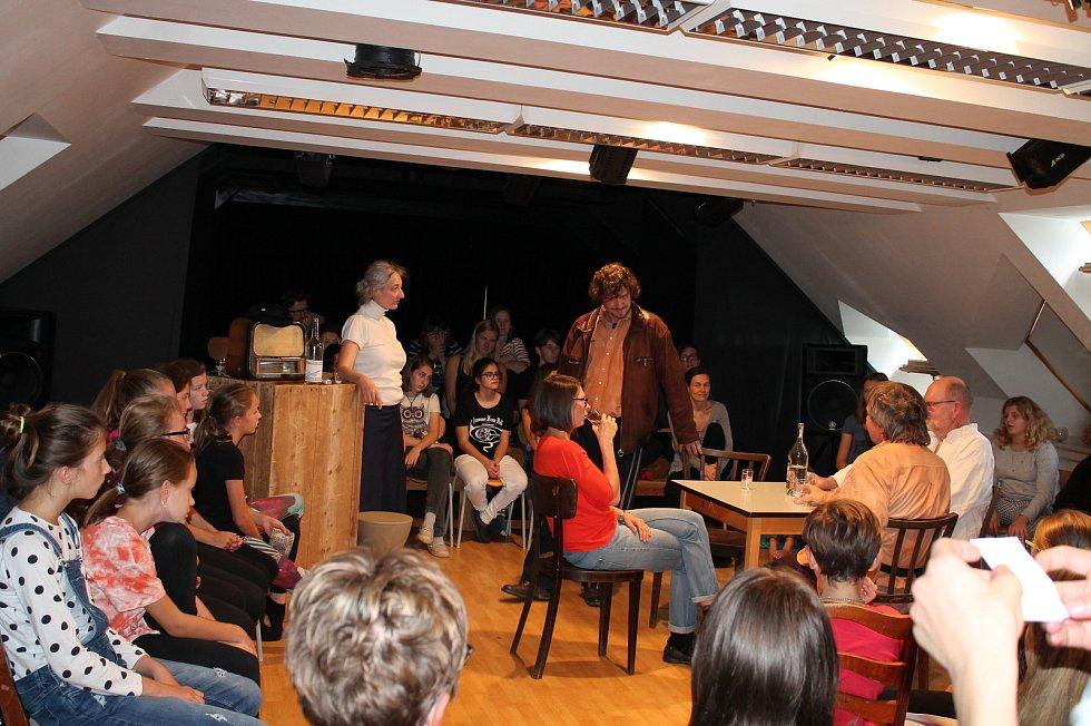 V Jindřichově Hradci se o víkendu konal 18. ročník festivalu studentského a autorského divadla.