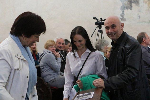 V hradeckém kostele svatého Jana Křtitele se konal koncert k poctě známého zpěváka Petra Nováka.