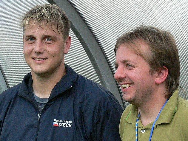 Hráč Jiří Vaverka (vlevo) a vedoucí mužstva Petr Musil.