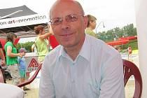 Ředitel Základní umělecké školy v Dačicích Milan Kubek.