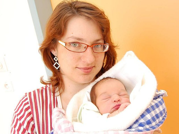 Eliška Loučná z Bílkova, 3. května 2010, 3100 gramů, 48 centimetrů