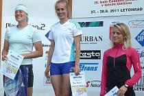 Pavla Schorná (uprostřed) nenechala ve III. kole Českého poháru nikoho na pochybách o tom, kdo je momentálně nejlepší tuzemská letní biatlonistka.