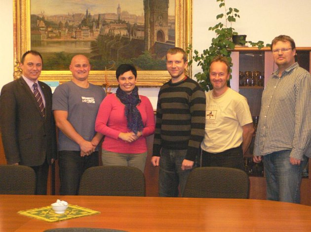 Jak bude koalice v Dačicích vypadat? Snímek je z jejího uzavření.