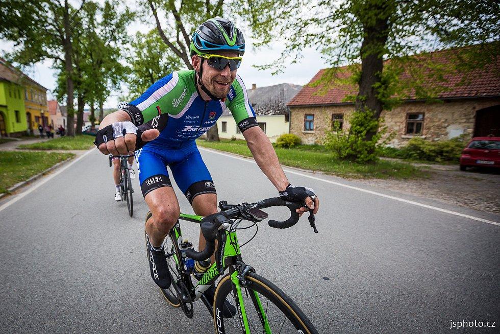 Od 4. do 6. června se na Jindřichohradecku uskuteční další ročník velmi kvalitně obsazených závodů v silniční cyklistice RBB Tour. Snímky se vracíme do roku 2019, vloni se kvůli koronaviru nejelo.